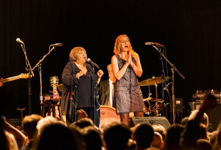 mavis-staples-joan-osborn-05-edit