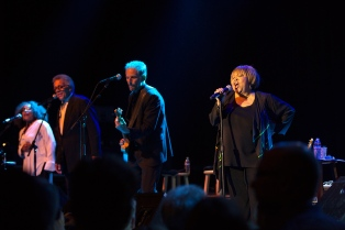 mavis-staples06