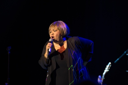 mavis-staples07