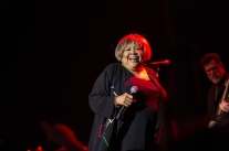 mavis-staples08